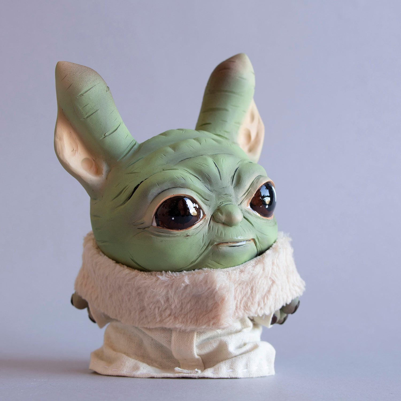 Image of The child (Baby Yoda)