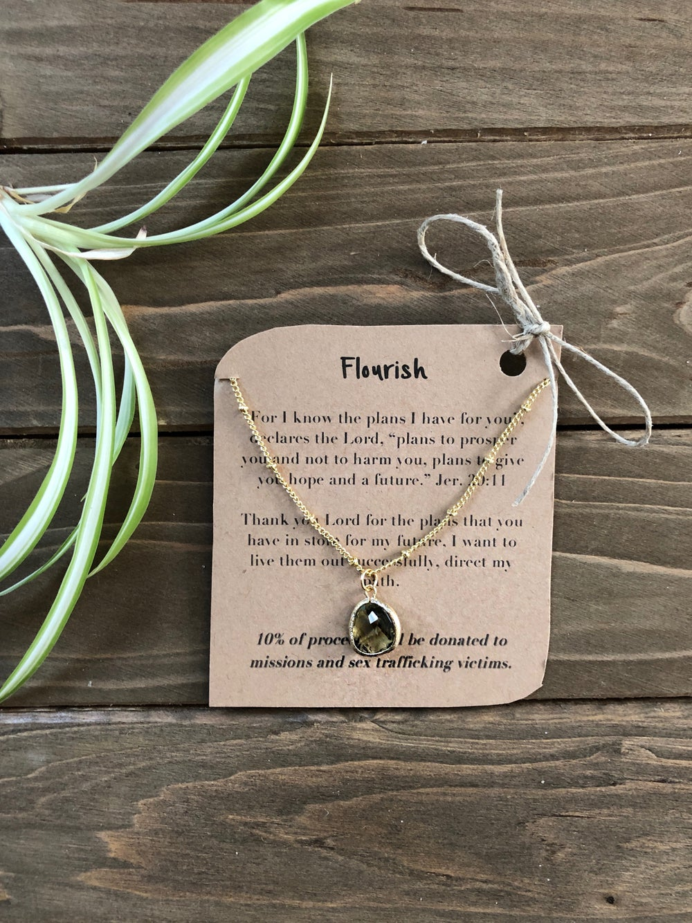 Image of Flourish Olive Pendant Necklace