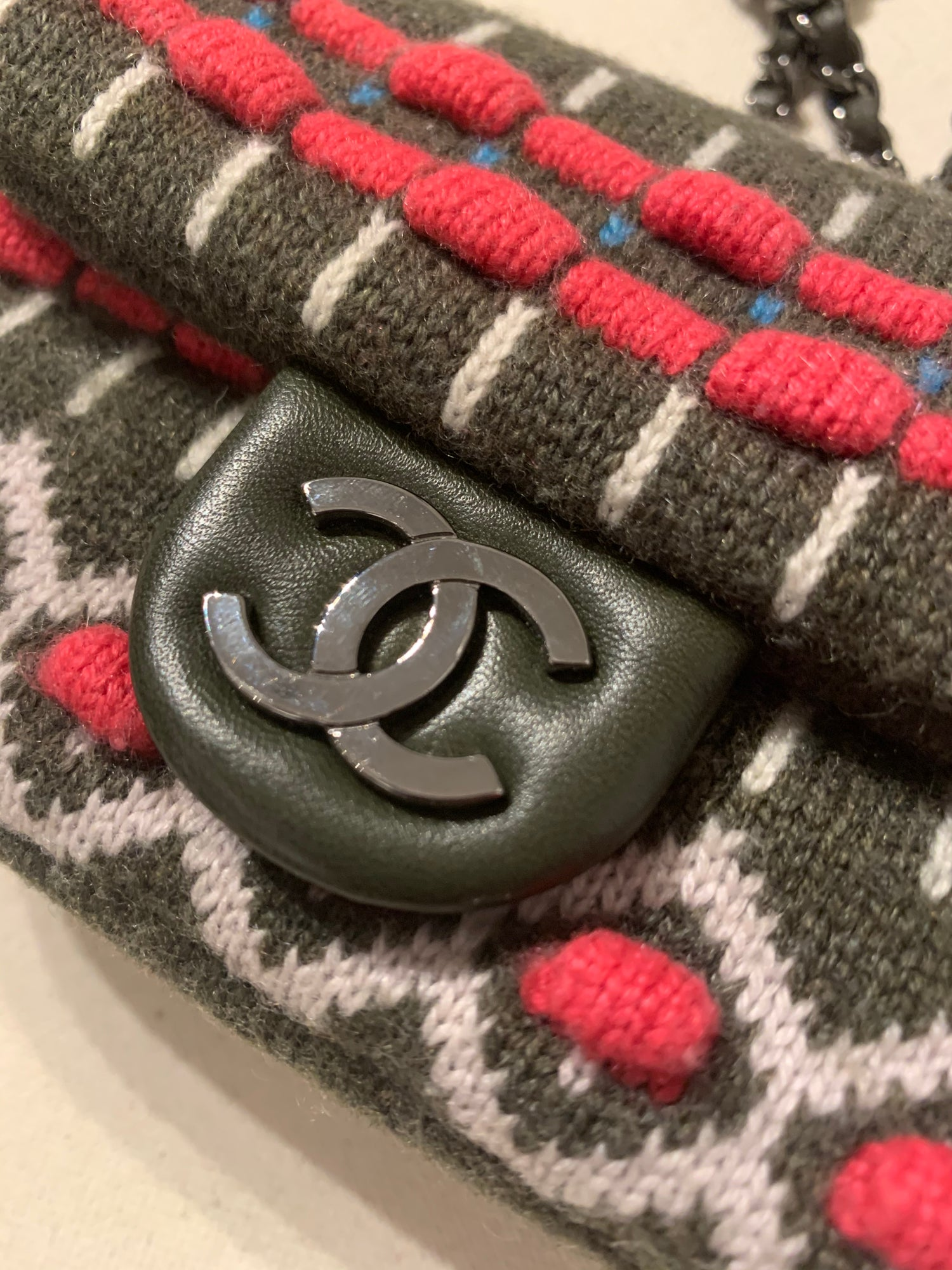 Image of CHANEL KNITTED MINI BAG