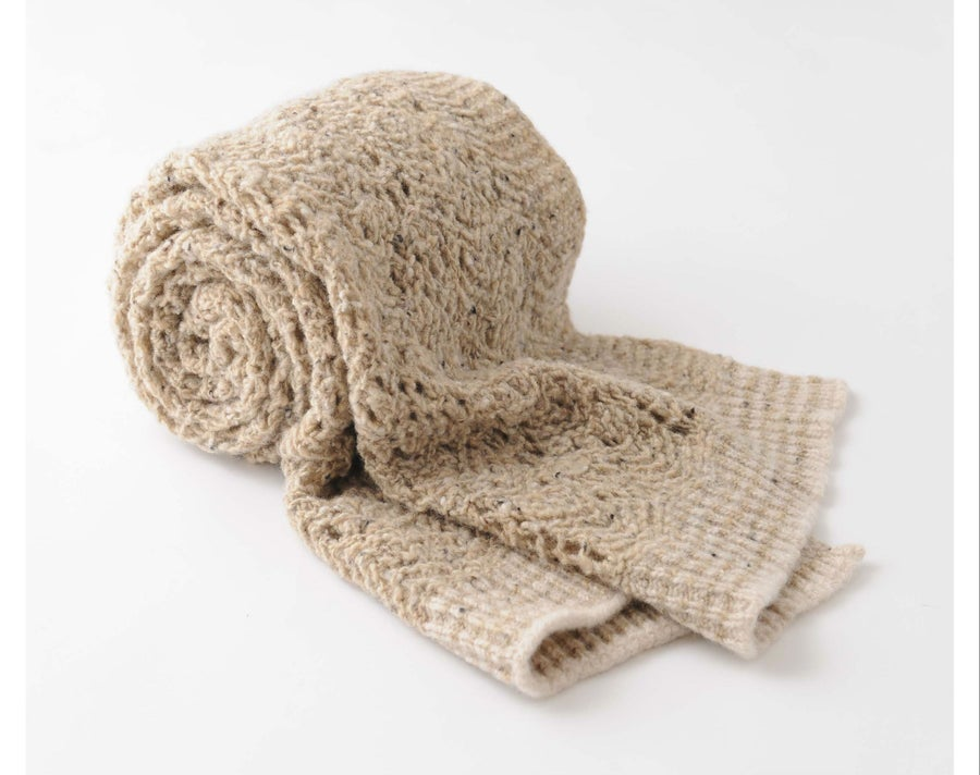 Image of Tweedy Donegal Lacy Shell Shawl / Natural