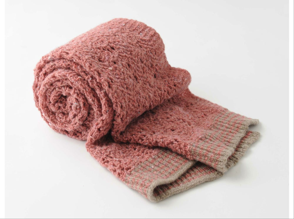 Image of Tweedy Donegal Lacy Shell Shawl / Pink