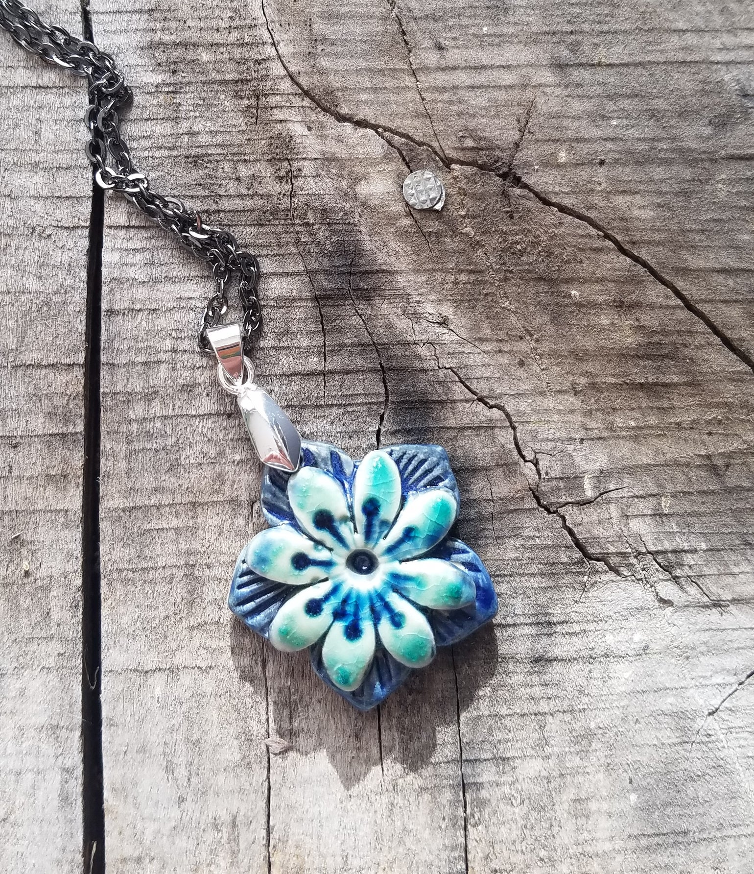 Image of Blossum Necklace - Navy & Water Blue w/rays