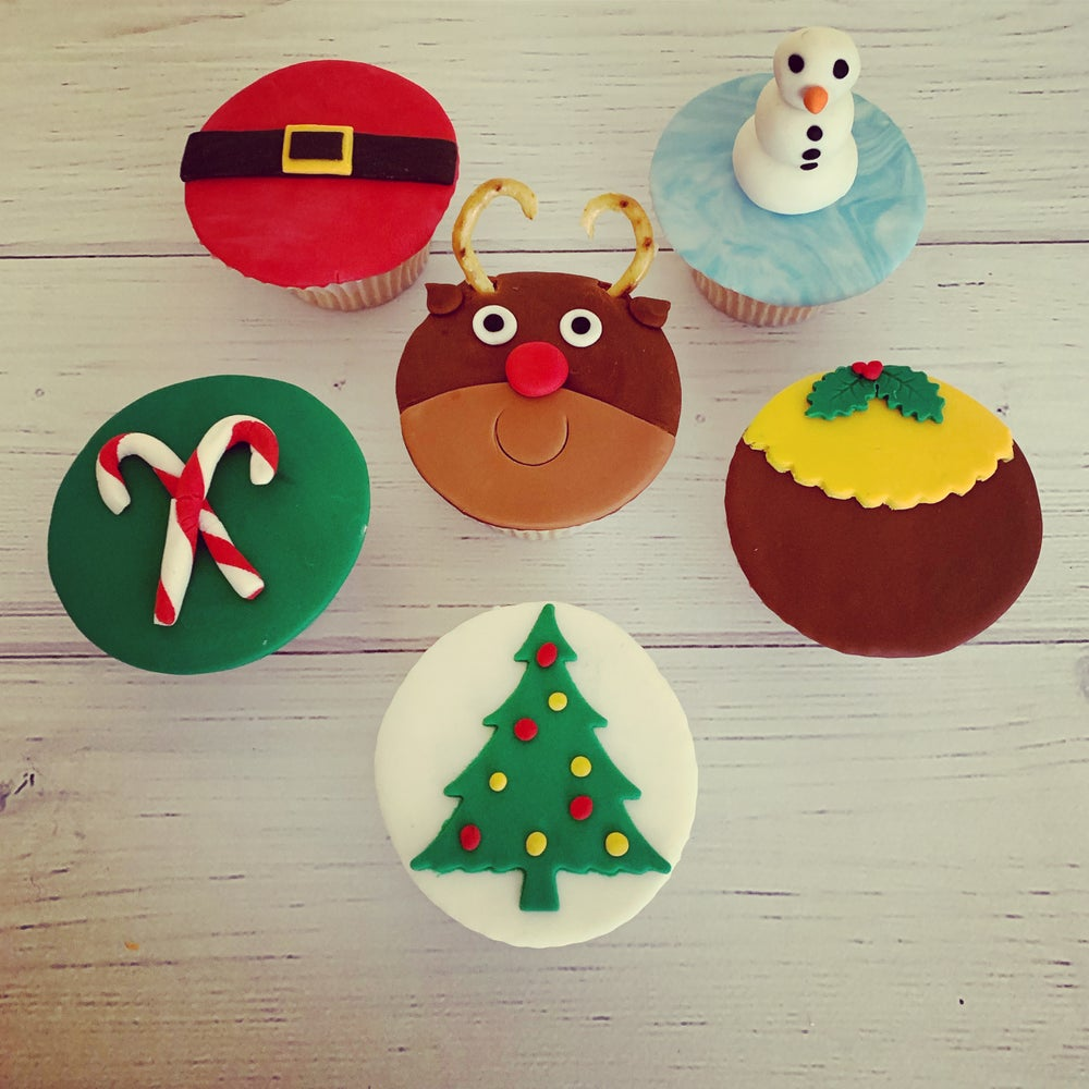 Image of Christmas Fondant Cupcakes (pack of 6)
