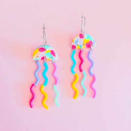 Image of Neon pink Confetti - jellyfish