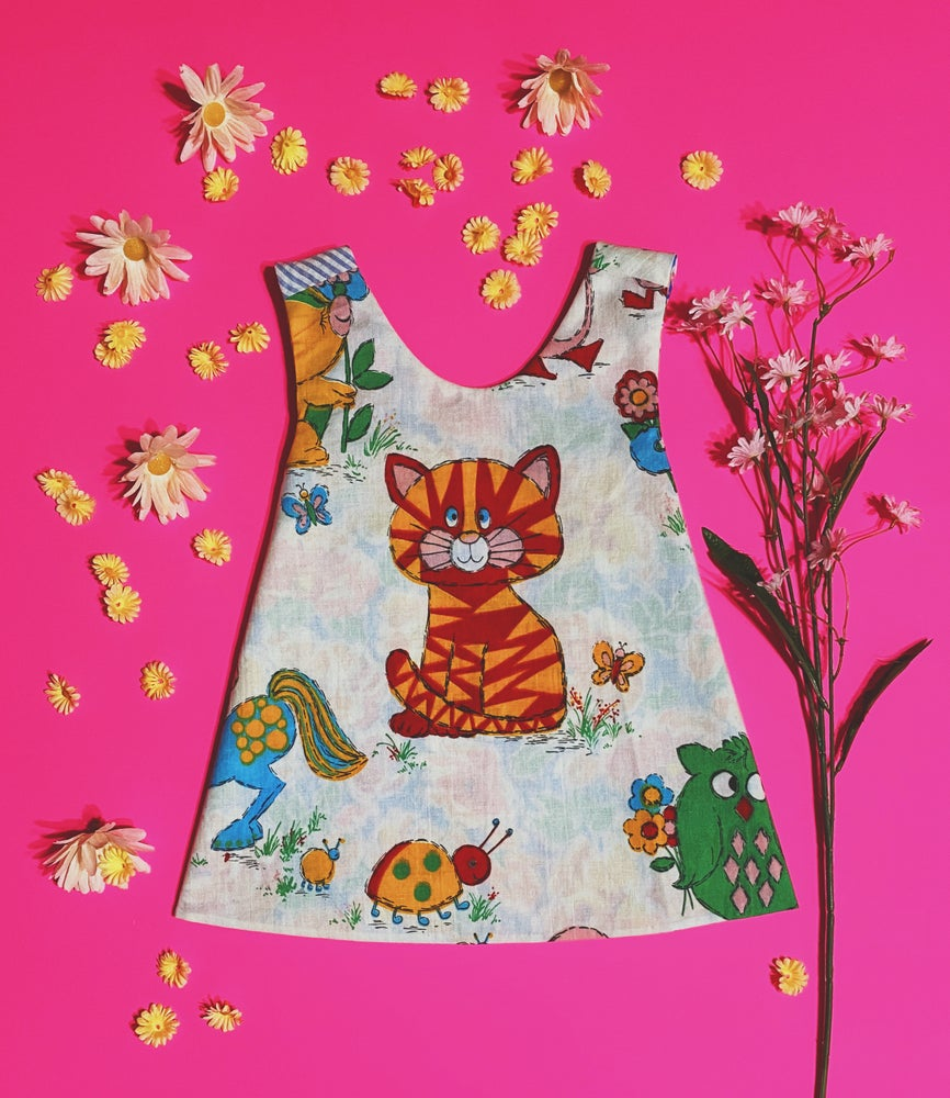 Image of 2T Vintage Kitty Reversible Pinafore
