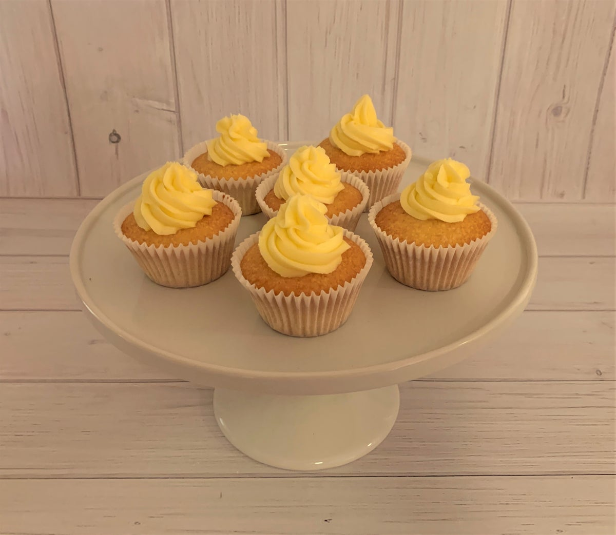 Image of Simple Buttercream Cupcakes