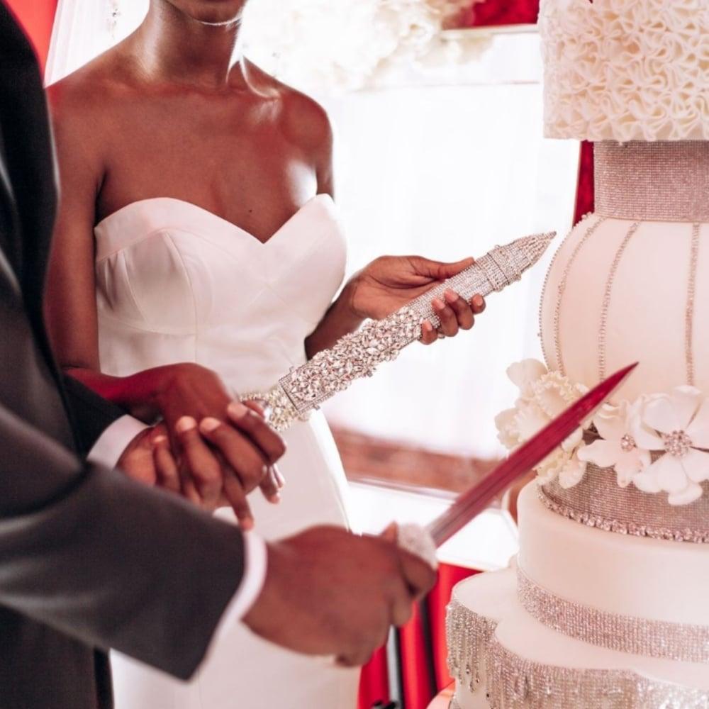 """Image of """"Sheena"""" Cake Cutting Sword"""