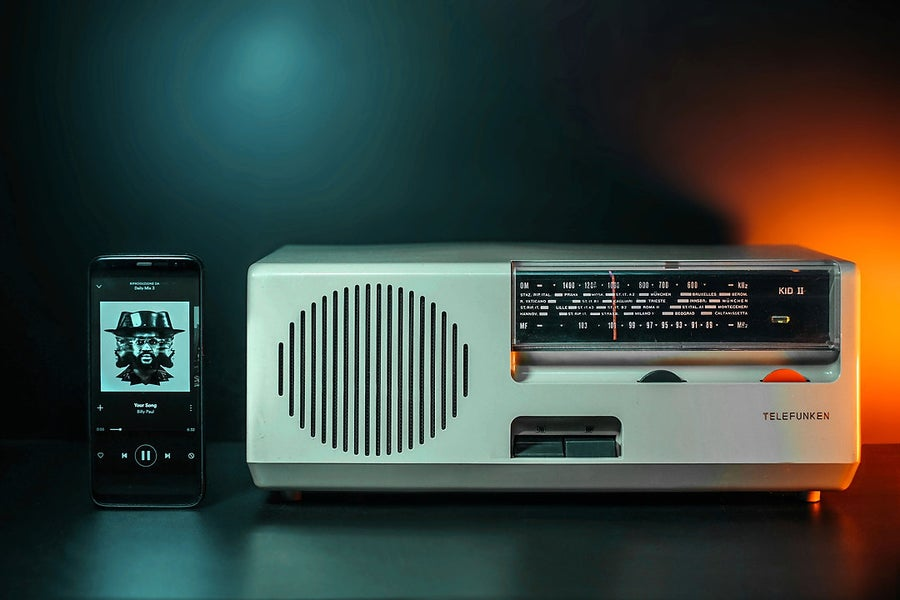 Image of TELEFUNKEN KID 2 (1965) RADIO VINTAGE BLUETOOTH