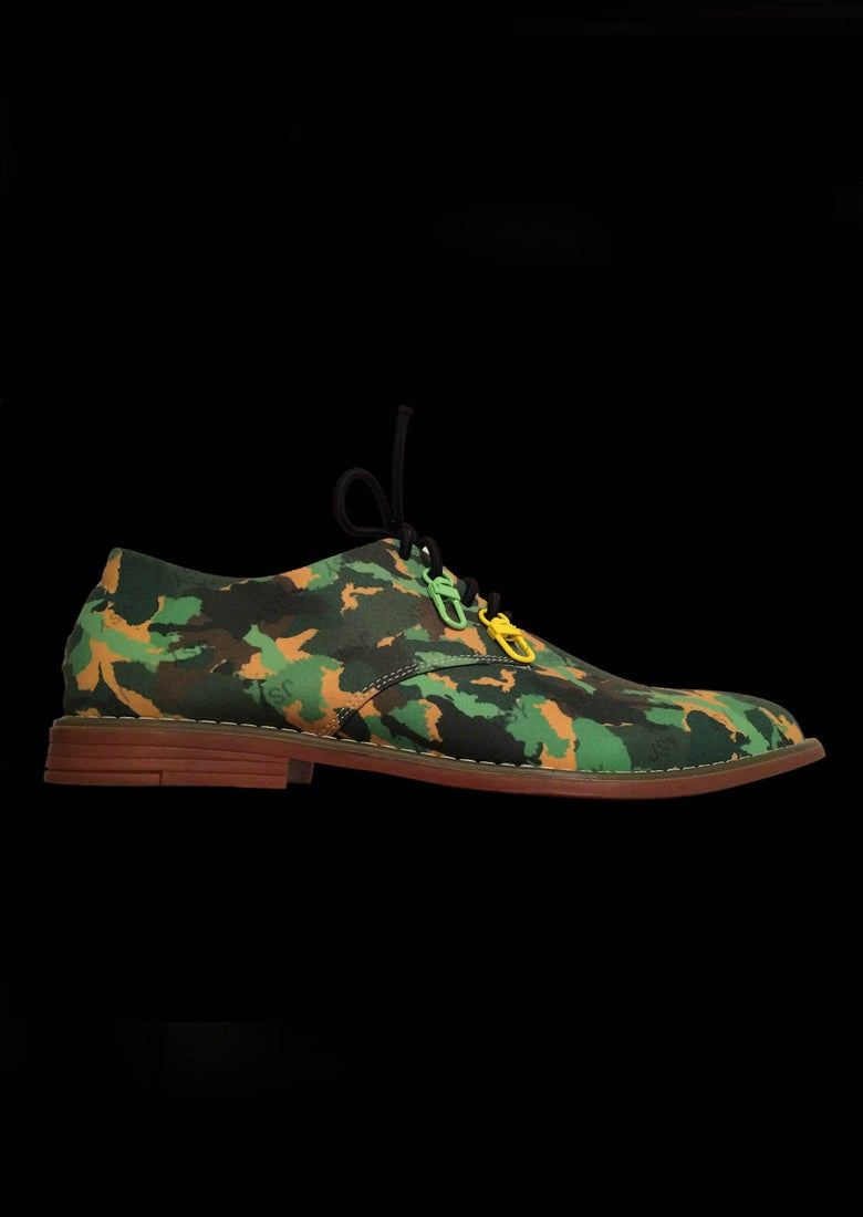 Image of CAMO DERBY