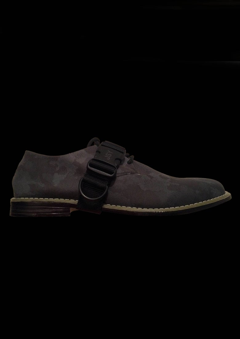 Image of CAMO DERBY BLACK