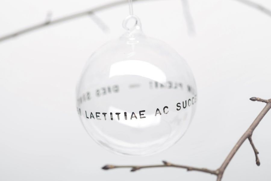 Image of VERBA 10cm Christmas tree ball with platinum inscription in Latin