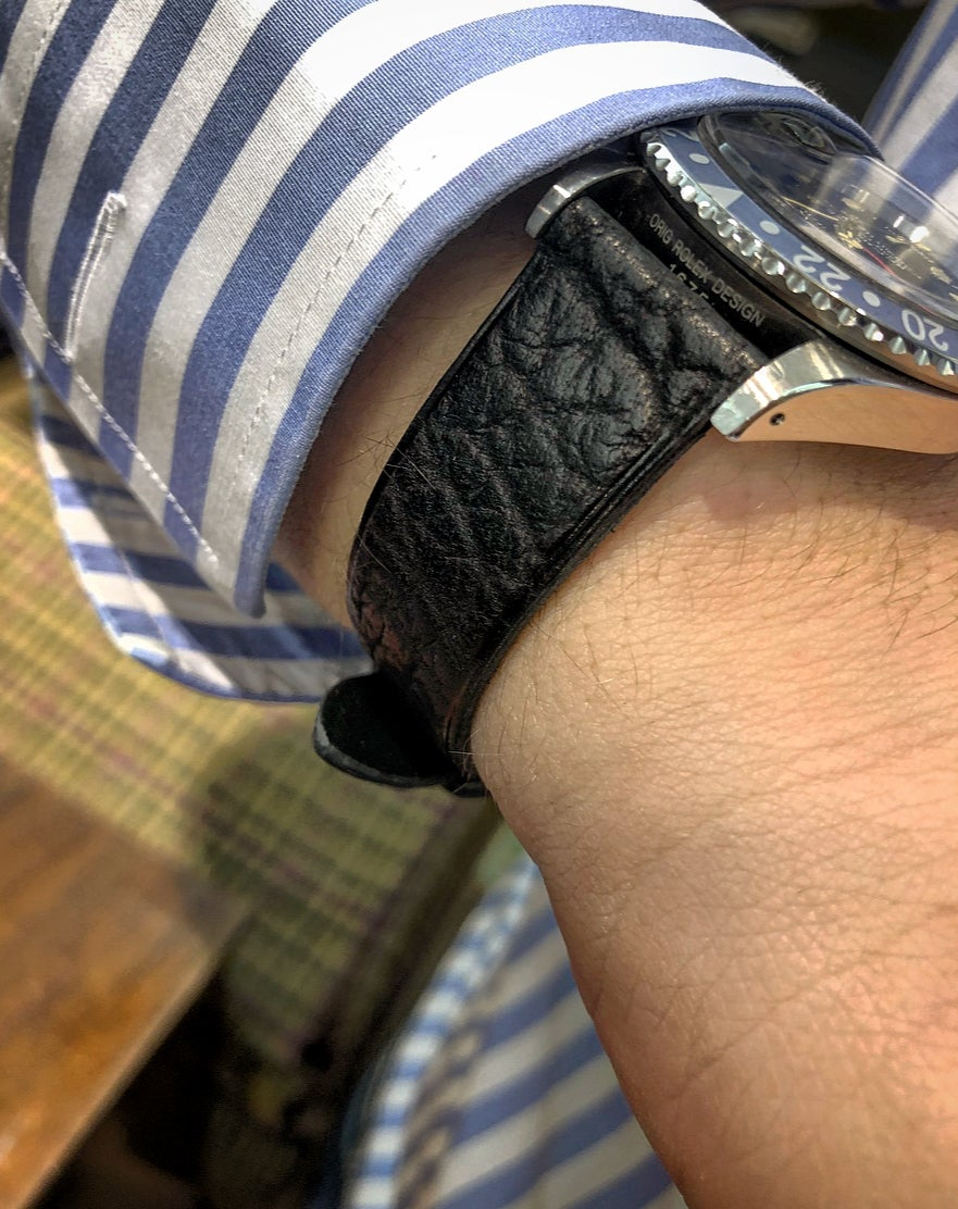 Image of Black shark classic watch strap