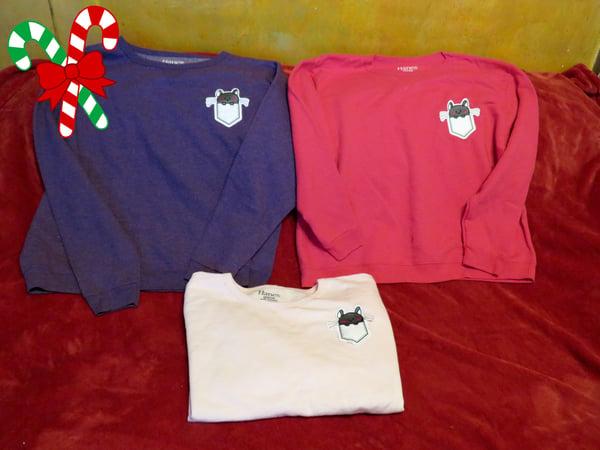 Image of Super Soft Chinchilla Pocket Peeking Sweatshirt - Hanes