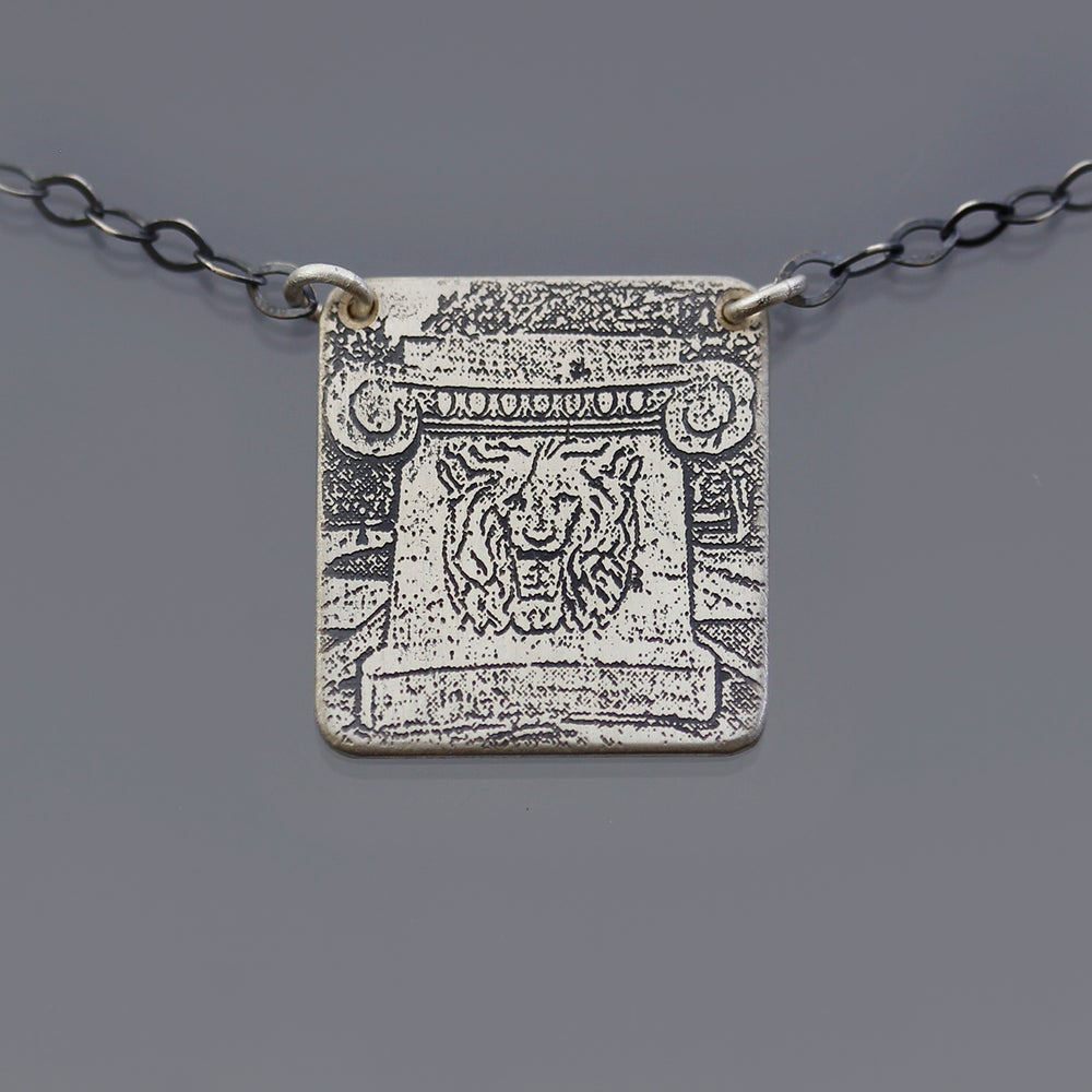 Image of Sterling Silver Purdue Lion Fountain Nechlace