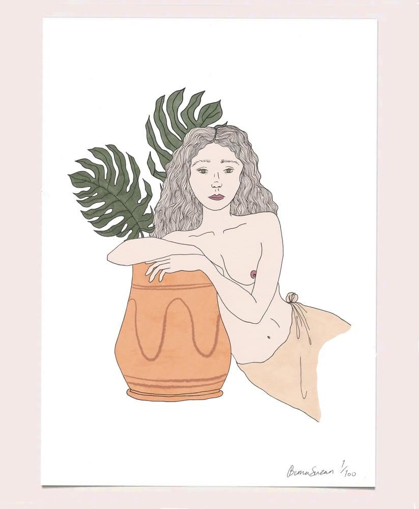 Image of Femme Avec Pot