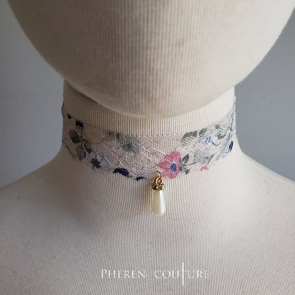 Image of Simple Lacey Chokers