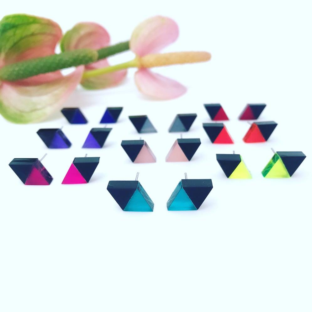 Image of Náušnice Double Triangle mini black&color