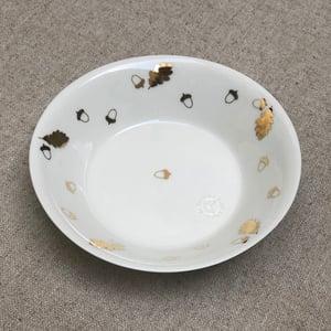 Image of Assiette ronde feuilles de chêne & glands P