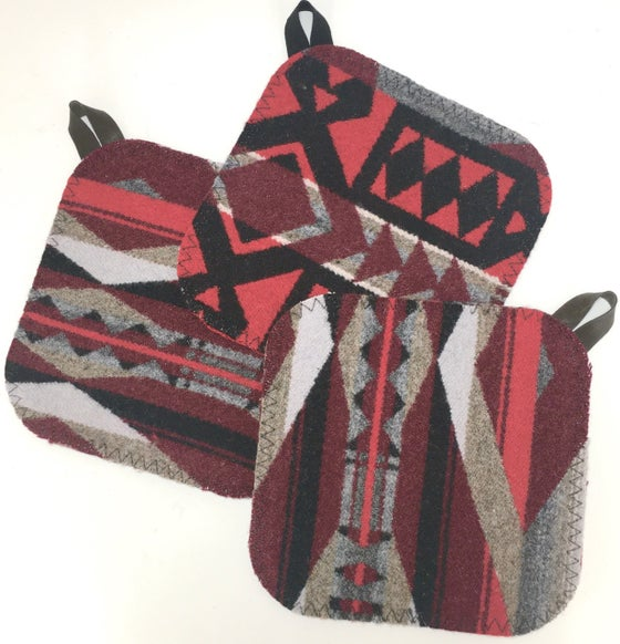 Image of Western Wool Potholder - Red/Grey