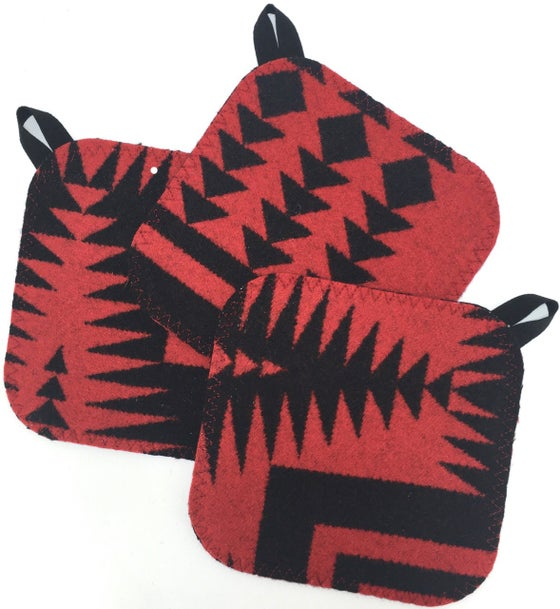 Image of Western Wool Potholder - Red/Black