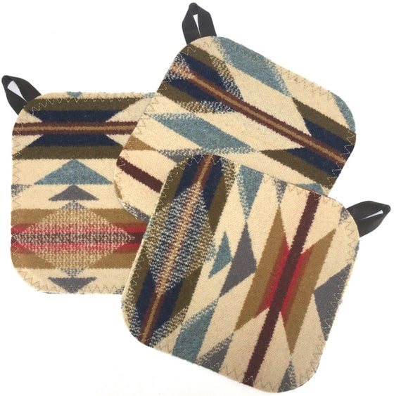 Image of Western Wool Potholder - Tan/Grey/RGB