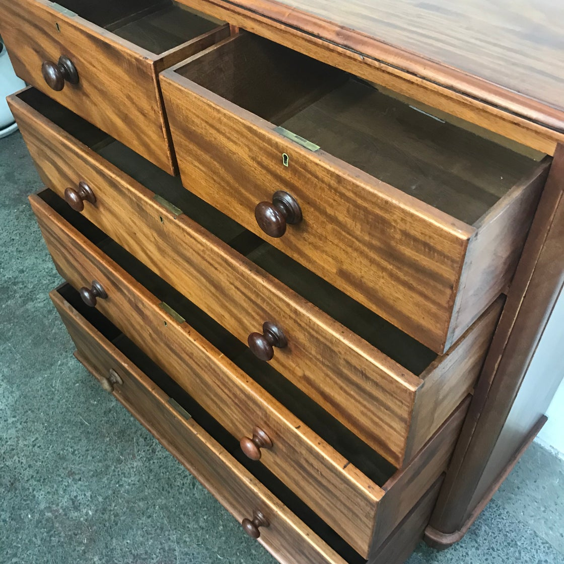 Image of ANTIQUE CHEST OF DRAWERS
