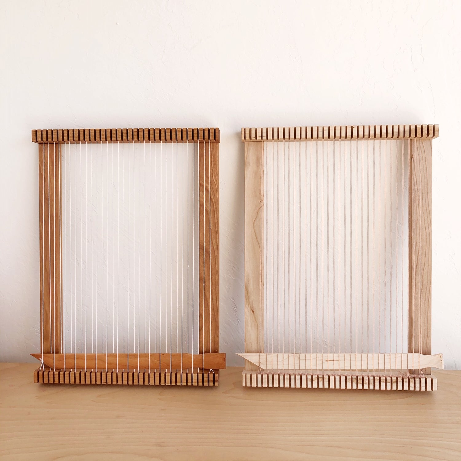 """Image of Maple Frame Loom 13"""" x 18"""""""