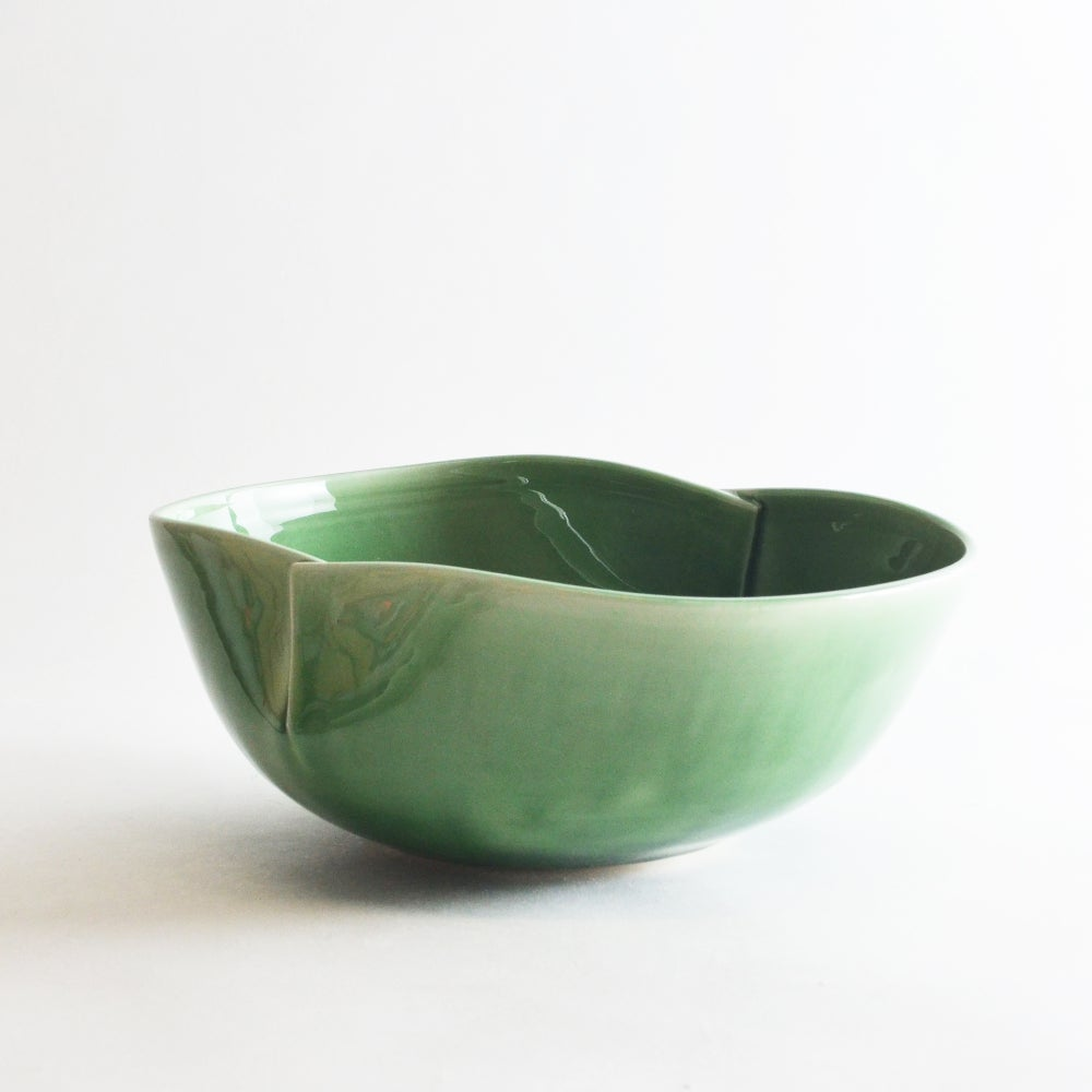 Image of Jade dart serving bowl