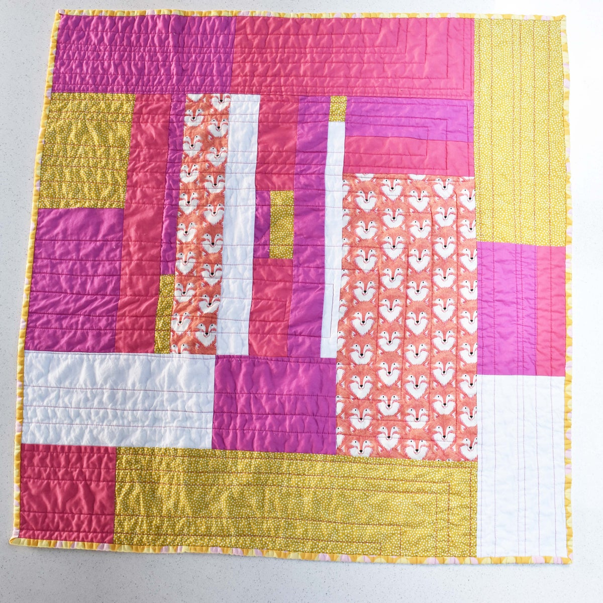 Image of Foxes Small Size Quilt