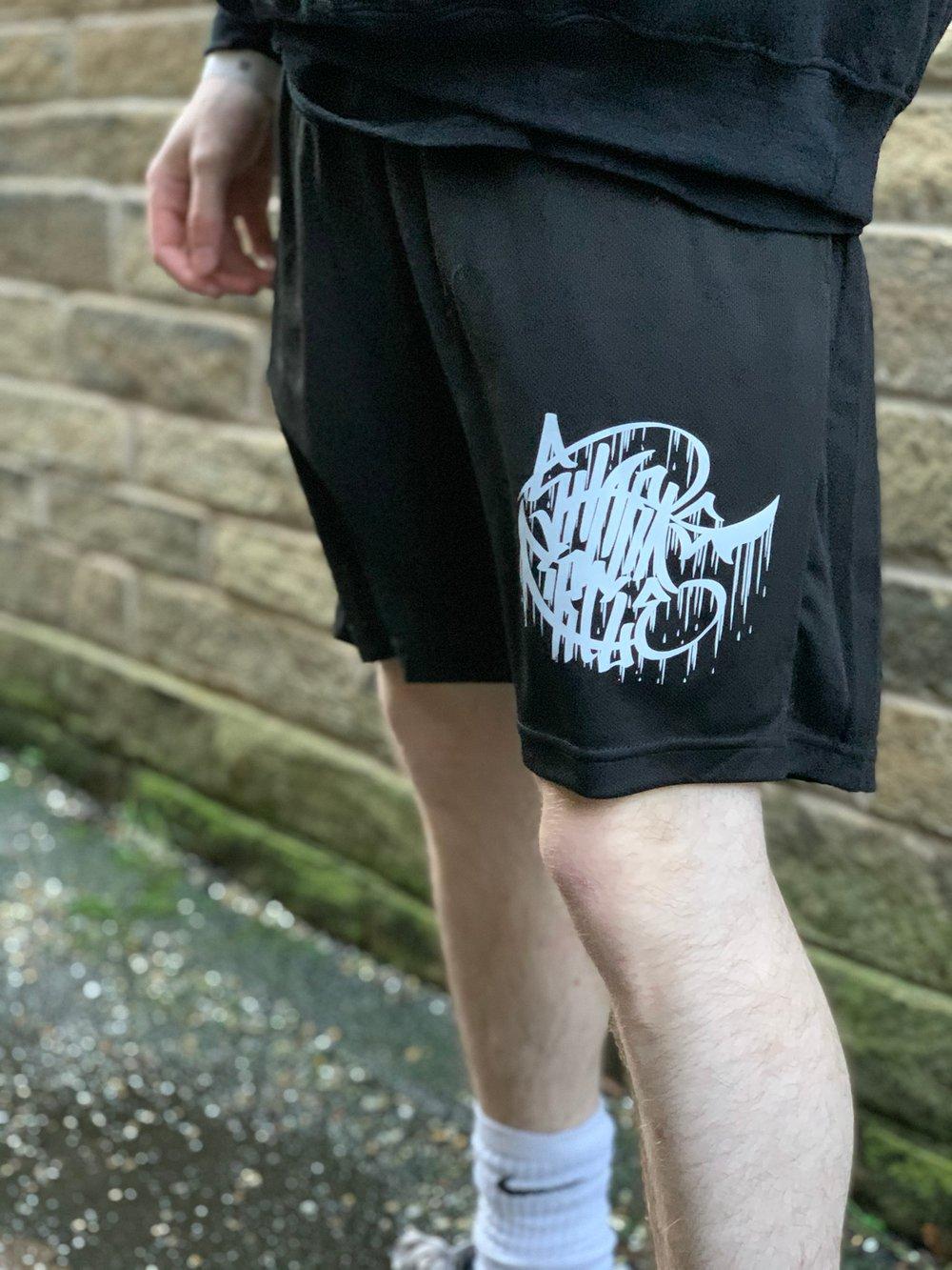Sharks Circle - Shark Fin Mesh Shorts