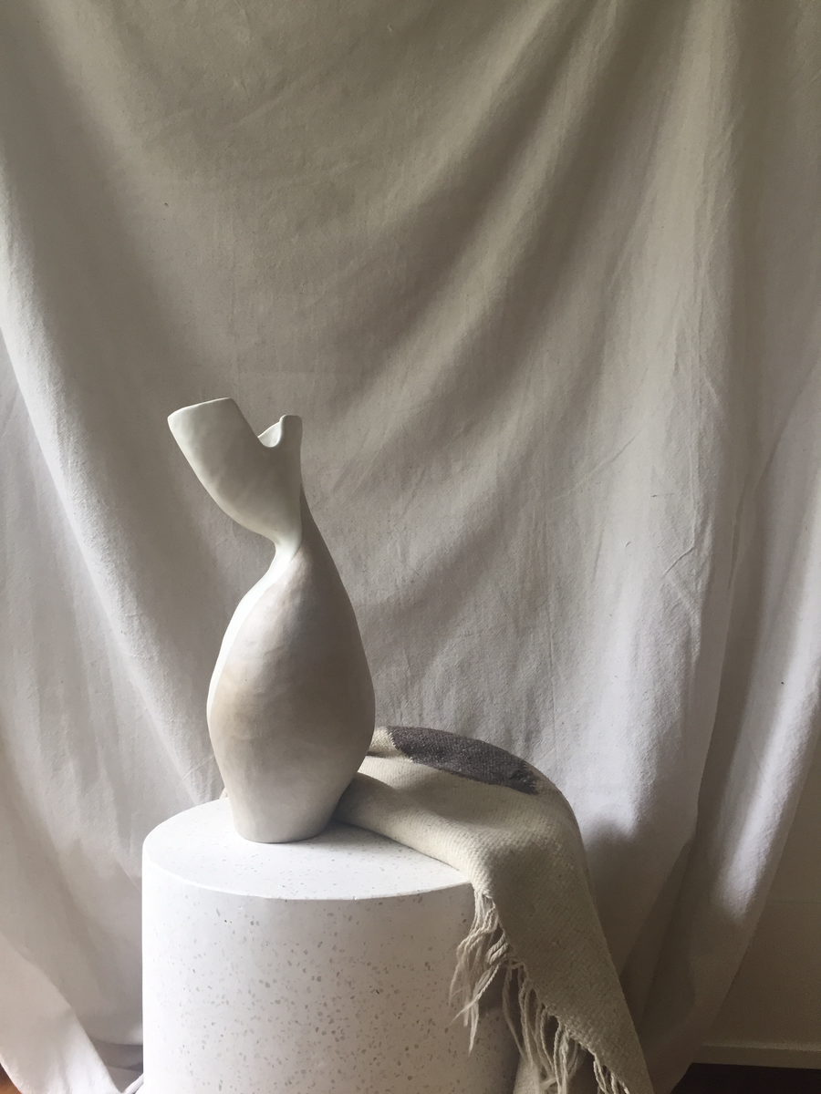 Image of aulleie - sculptural vase