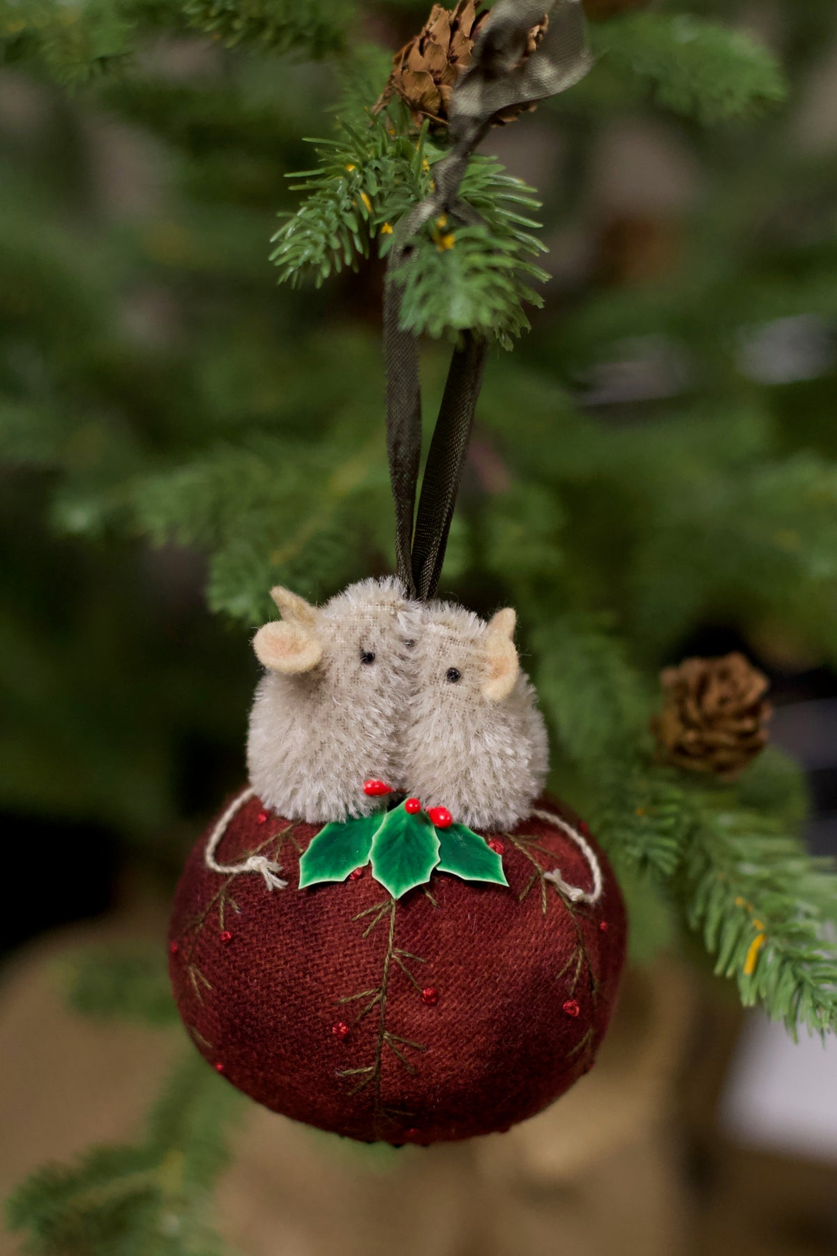 Image of Kit ~ Mices love Christmas ~ Ornament ~  BEIGE MICE