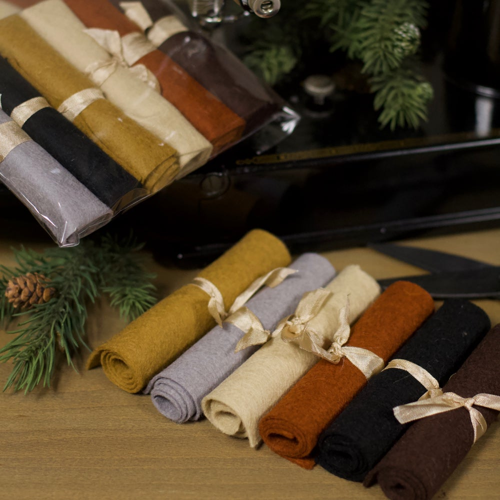 """Image of Wool Felt ~ Basic weight ~ (All 6 colors - 4.5 x 9"""" ea. piece)"""