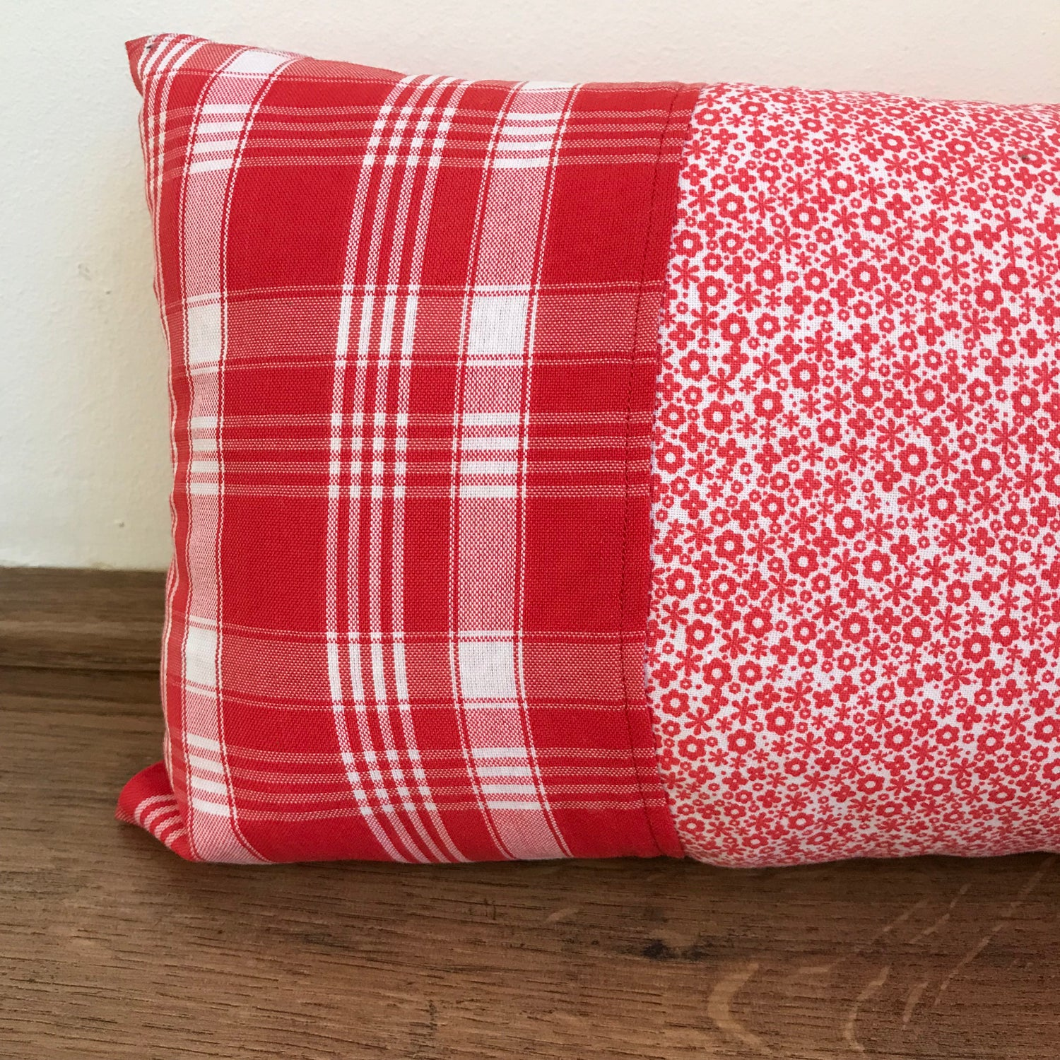 Image of Kitchen pillow two patterns red