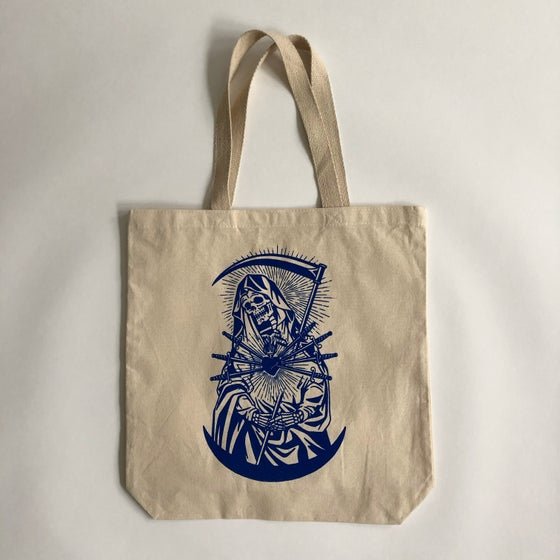 Image of EVIL HEARTS TOTE