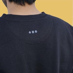 FRUI Geometric Logo Sweatshirt