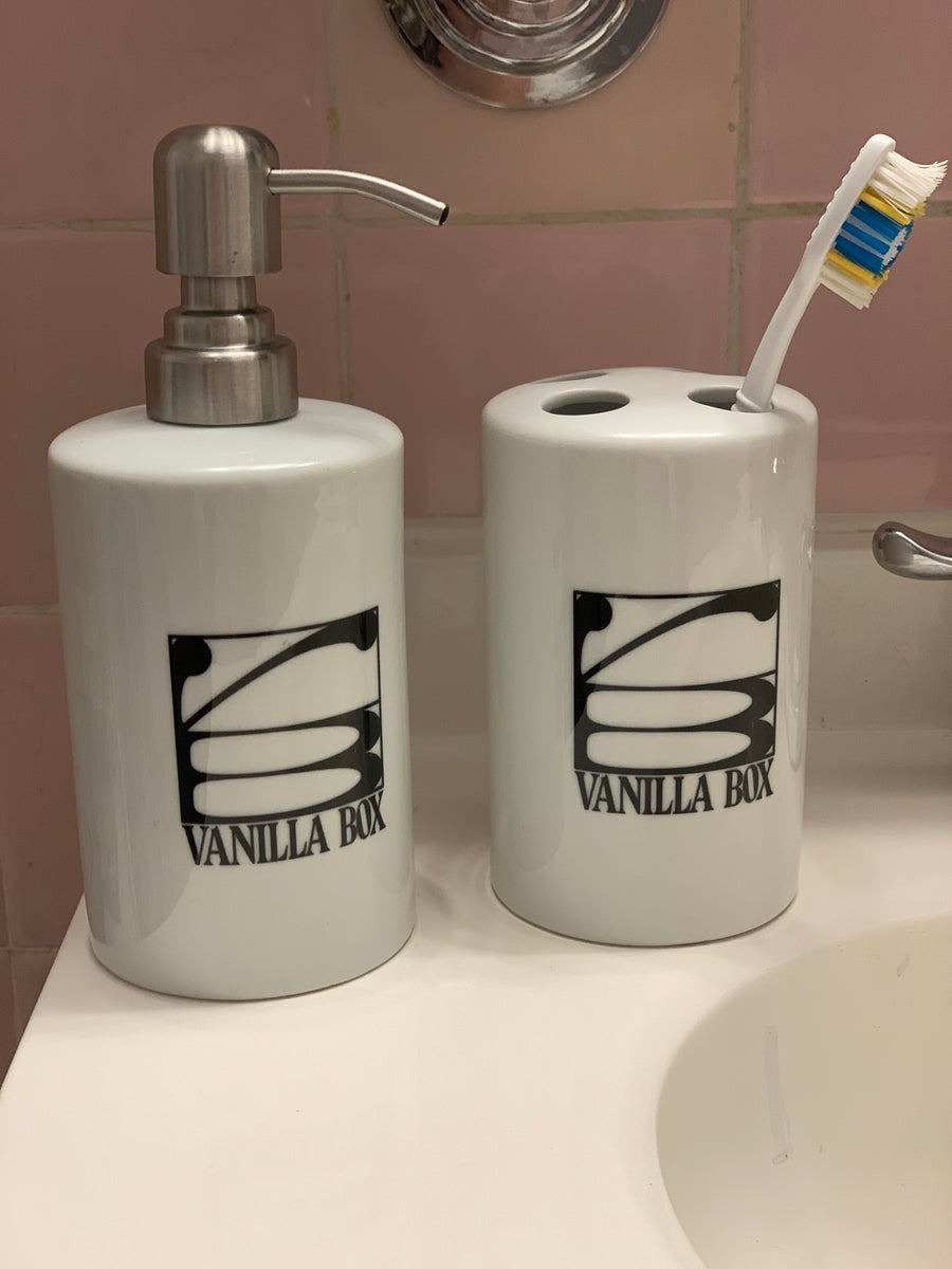 Image of Vanilla Box Toiletry Set