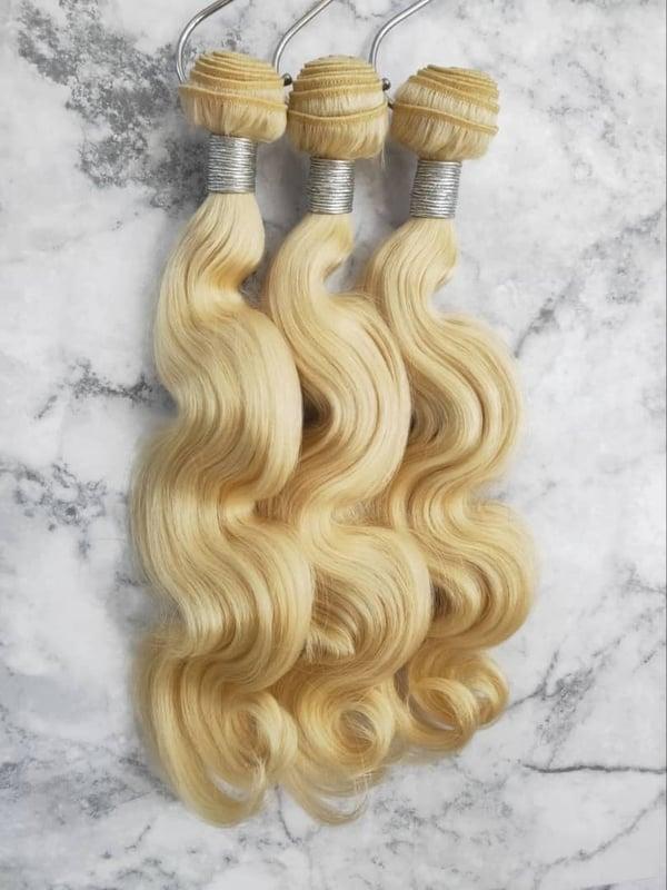 "Image of Blonde Bodywave 26"" single bundle"