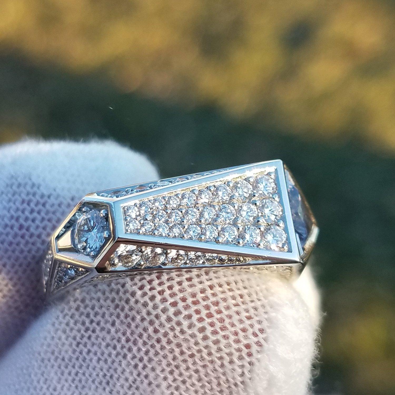 Image of Platinum Ring