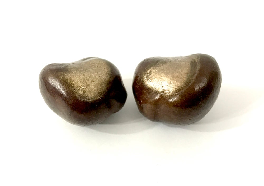 Image of Reclining Conkers
