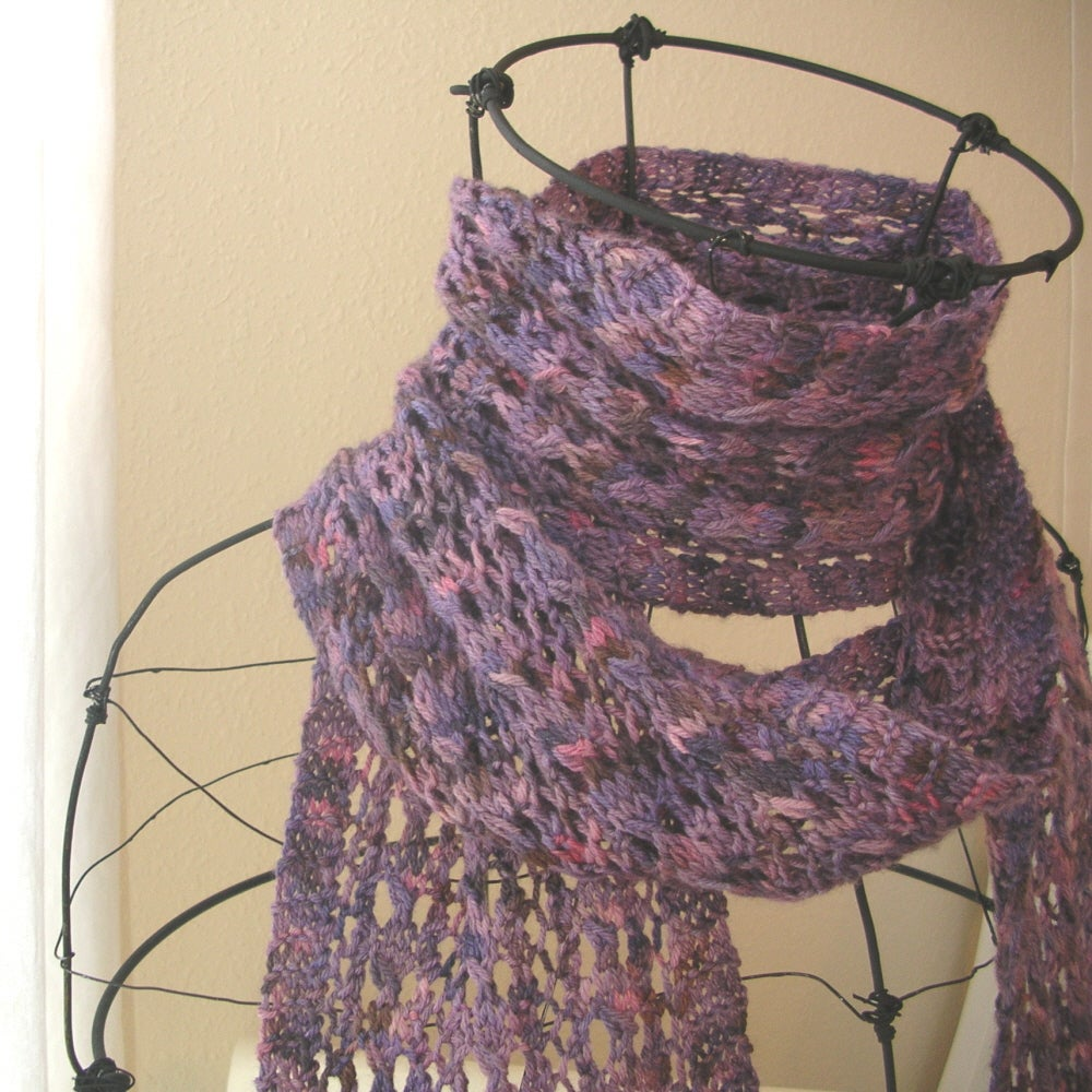Beehive Lace Scarf Knitting Pattern / Knit it Up Yarns