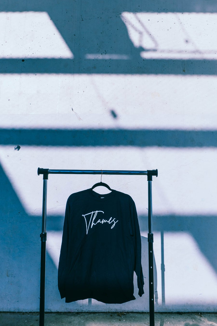 Image of THAMES (CURSIVE) LONG SLEEVE