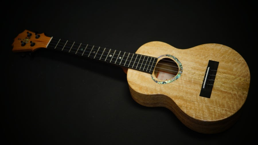 Image of KoAloha KTMR-00 Curly Mango Rosette Custom Tenor