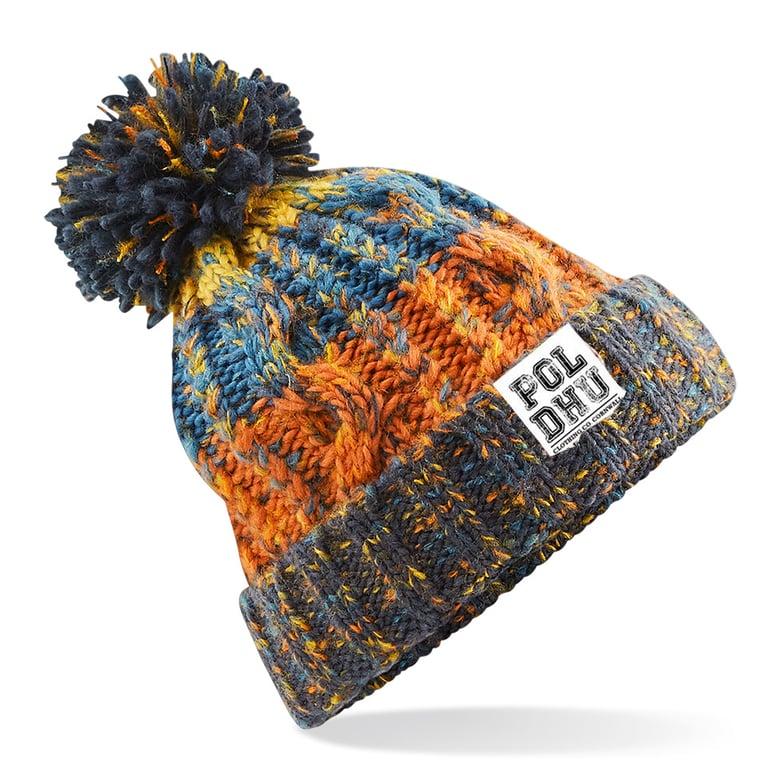 Image of RETRO ORANGE BOBBLE HAT