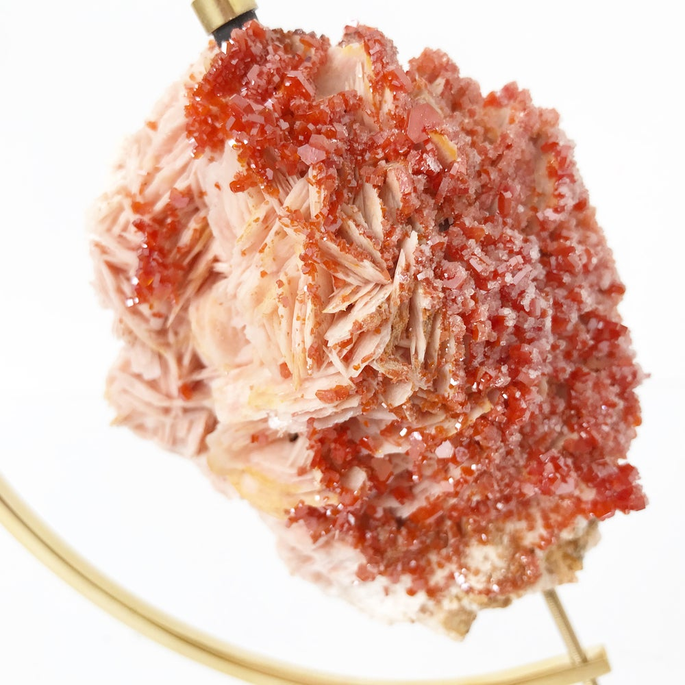 Image of Vanadinite no.09 Sugarplum Collection Brass Arc Pairing