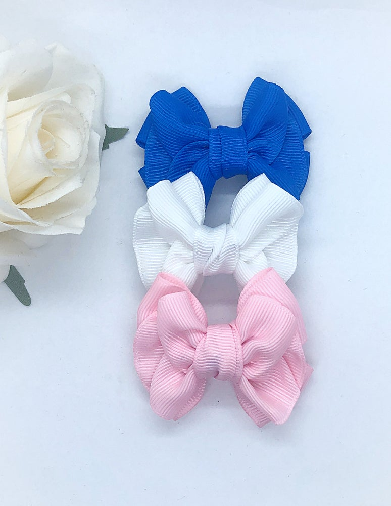 "Image of Set of 3, 2"" bows/fringe clips"