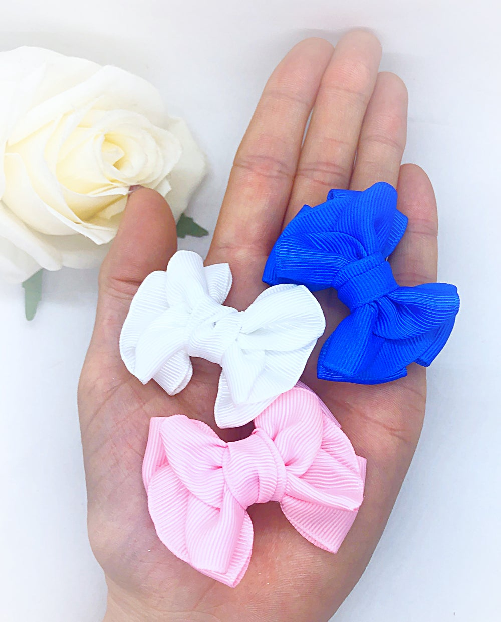 "Image of Set of 3, 2"" Lily bows/fringe clips"
