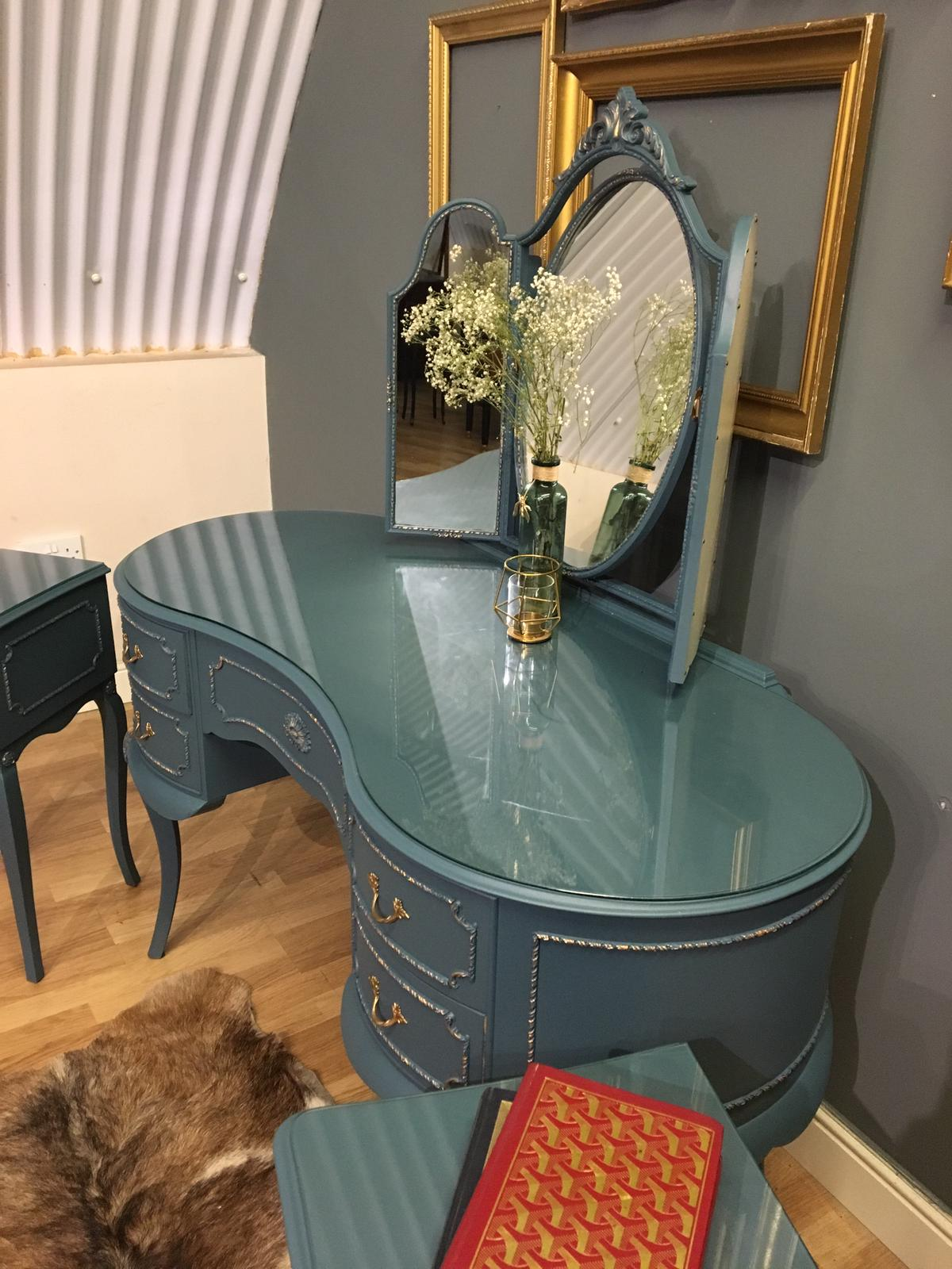 Image of Dressing table & bedside tables with glass tops.