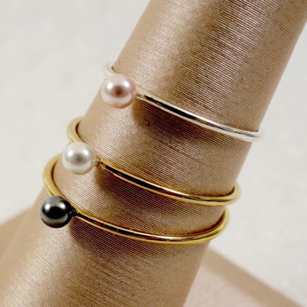 Image of Mini Pearl Ring