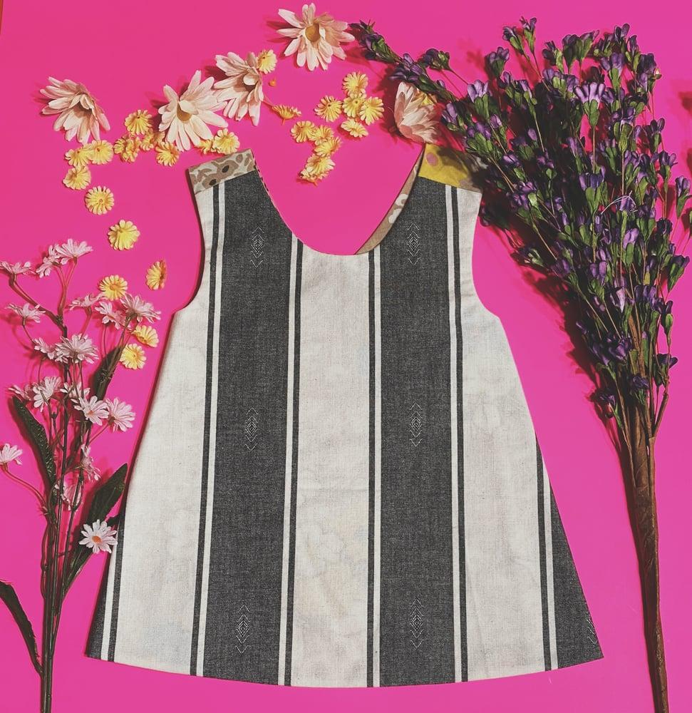Image of 2T Vintage Floral w/Black Stripe Reversible Pinafore
